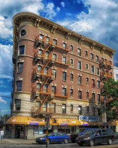 Bronx apartments - To move to the right location you must follow the Bronx relocation guide.