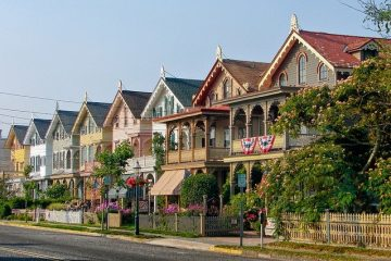 A row of houses as a perfect choice when living in Rockaway