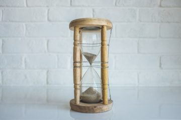 An hourglass showing you need to move from Tampa on a short notice