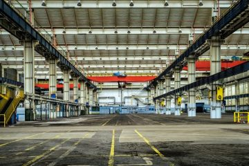 Inside qualities of a good warehouse facility.