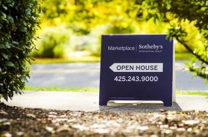Open house sign when looking for a home.