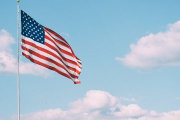 an image of an American flag, read about Guide to relocating your warehouse space from Ottawa to the US