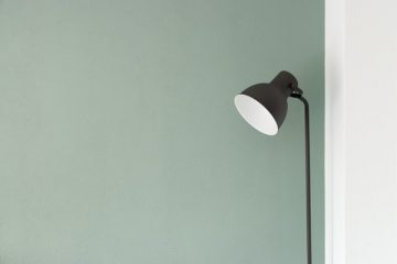 black lamp, learn How to pack lampshades for a long-distance move